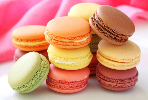 Colorful-macarons-622x418_large