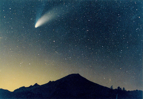 Falling-star-heaven-mountain-mountains-sky-favim.com-115324_large