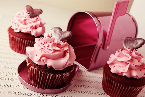 CupcakeLovers: St. Valentine\'s Day Chocolate Cupcakes 2014