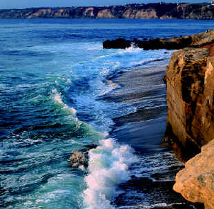 New_lajolla_beach___cliffs_large