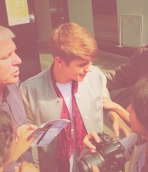 Kill'em with kindness. | 12/50 pictures of Justin Bieber. (part 2)