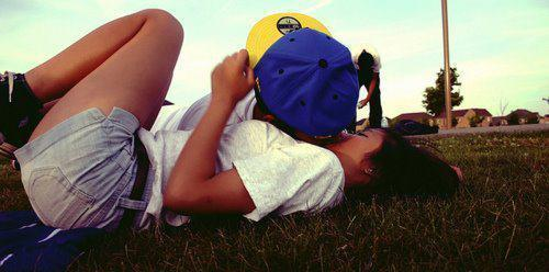 Boy-and-girl-cute-laugh-love-photography-favim.com-451761_large
