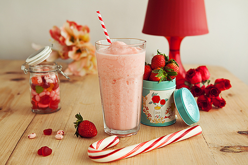 Saint's_20alp_20strawberry_20shake_20mylene_20chung_20food_20photography_20photokitchen_202_large