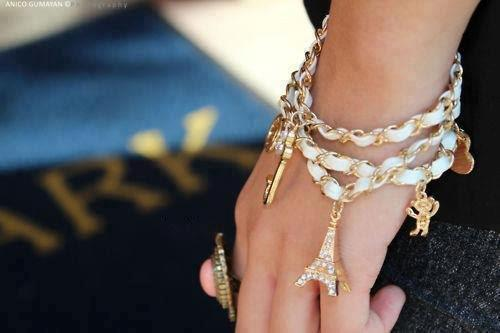 (1) Amazing Jewelleries
