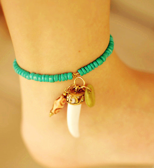 Turquoise_20tooth_20anklet_20with_20charms-f44493_large