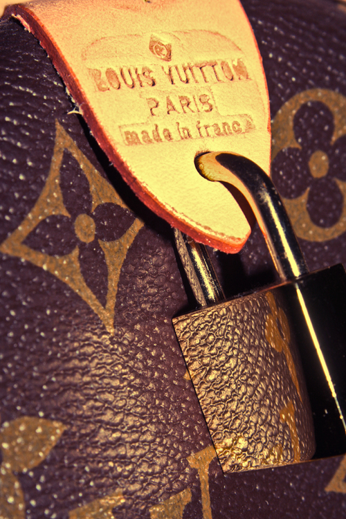 Luis_vuitton_texture_by_paoly81_large
