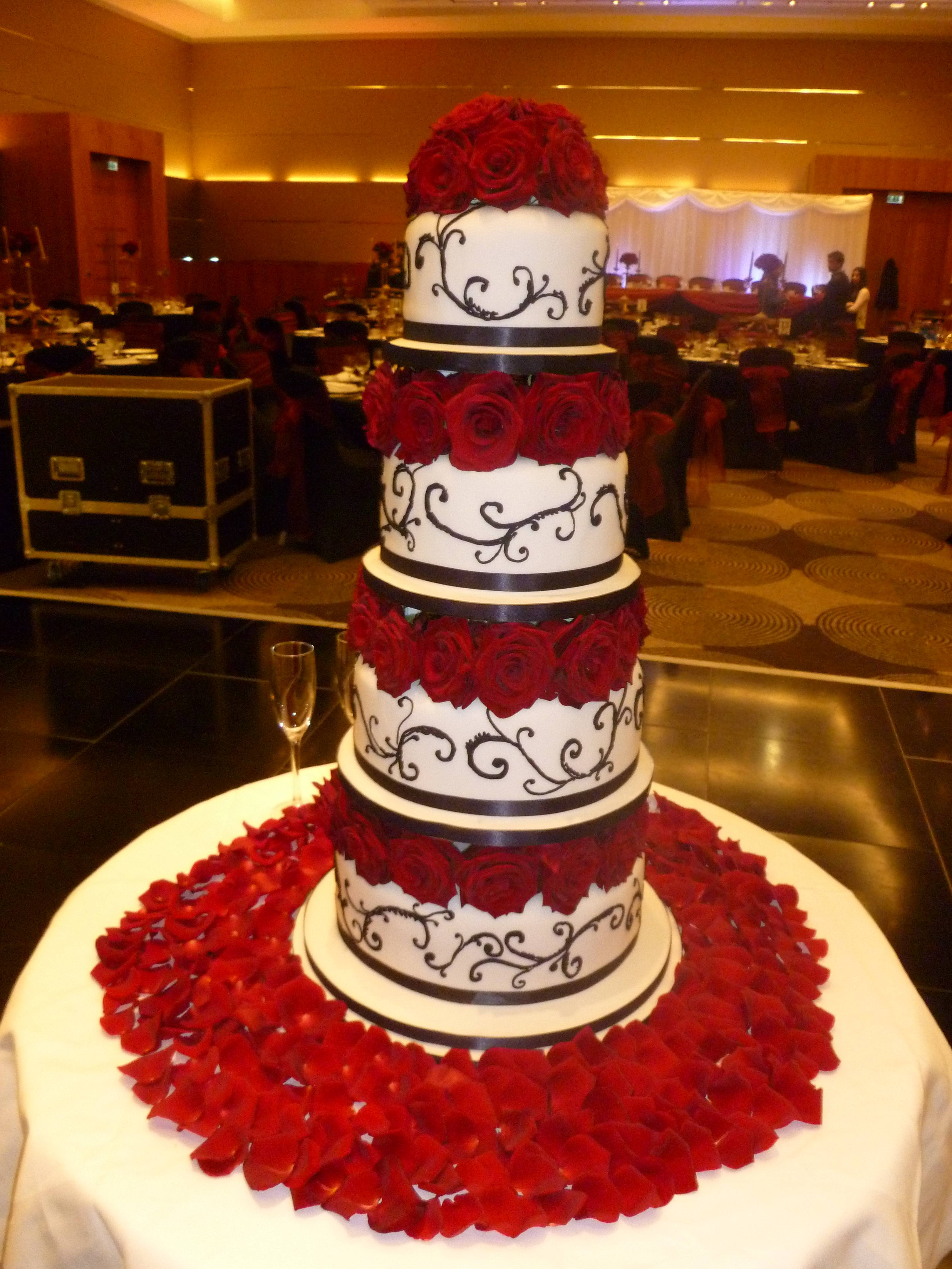 TOWER WEDDING CAKES Wedding cake idea with the red and
