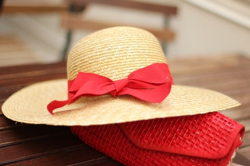 Chapeau-paille-ruban-rouge_large