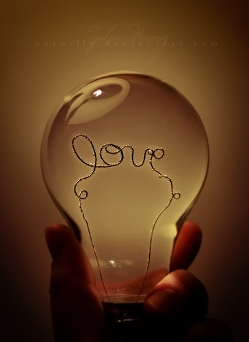 Lightbulb_love_photography_light_amor_art-a8ecb767207bed863773ee8e1450b6f4_h_large