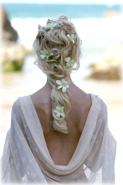 Romantic-wedding-hairstyles-and-makeup-6_large
