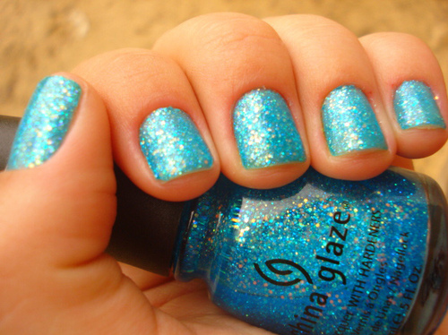 Blue-blue-glitter-china-glaze-glitter-nail-polish-nails-favim.com-58020_large