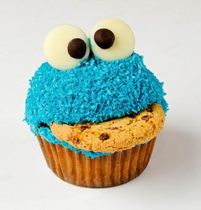 Cookie-eating-cookie-monster-cupcake1-287x300_large