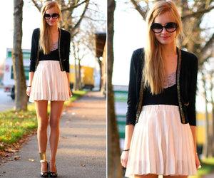 looks *-*