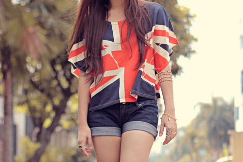 Blue-england-flag-girl-pretty-red-favim.com-455242_large