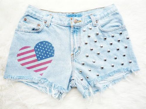 Heart_20shape_20american_20flag_20shorts-f89794_large