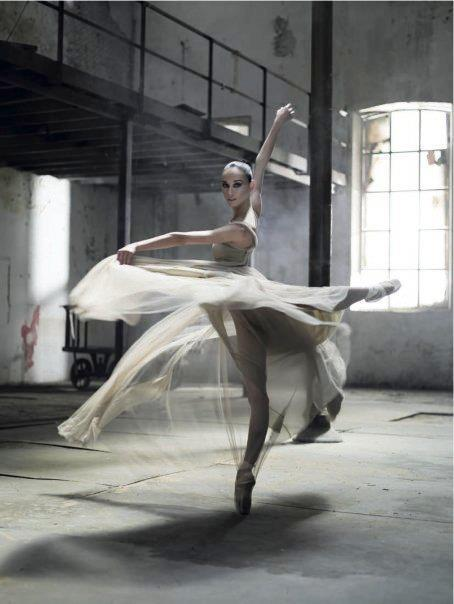 Ballet-beautiful-photography-favim.com-456119_large