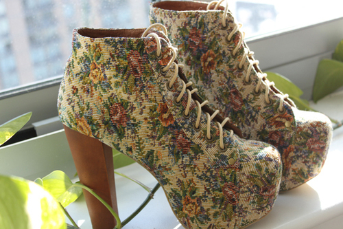 Jc-lita-fab-blue-red-flower-shoes-24-blogazine_large_large