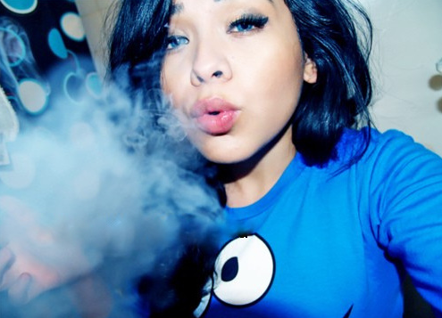 Girl Photo on Ca Dchudyk Girls Smoking Weed Pictures Tumblr I4 Png   We Heart It