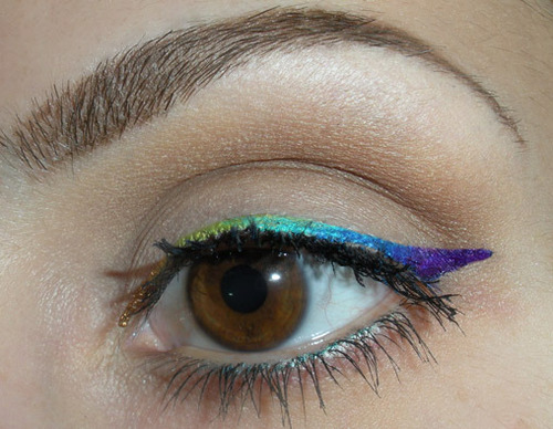 Winged-eyeliner-makeup-29012513-508-394_large