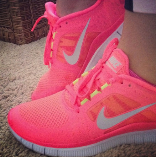 pink nike free run shoes
