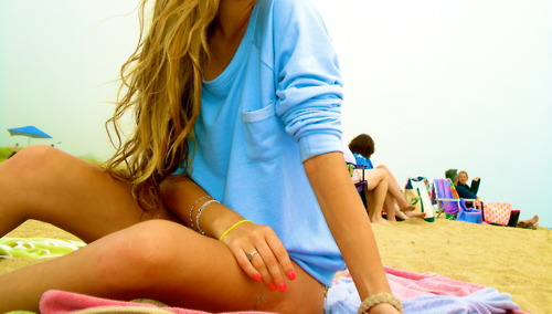 blonde girl, beach – inspiring picture on Favim.com