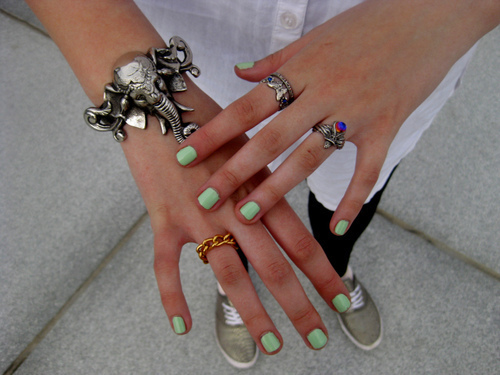 Bracelet-green-hands-nail-polish-rings-favim.com-179246_large