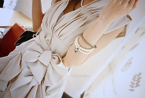 Beautiful-girl-cute-bracelets-dress-favim.com-467711_large