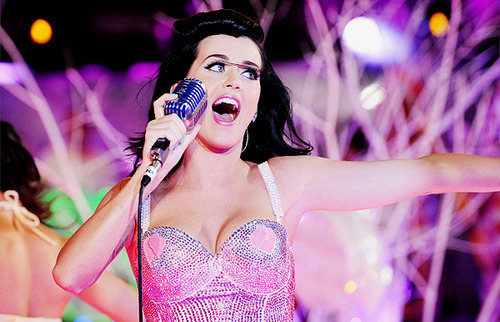 Katy-katy-perry-love-pink-prettry-girl-favim.com-453313_large_large