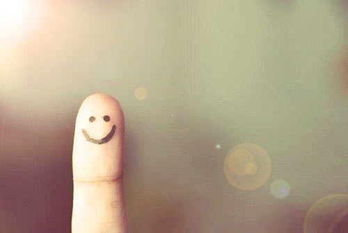 Finger-people-alone-smiling_large