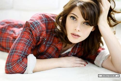 Ashley_greene_ps4_large