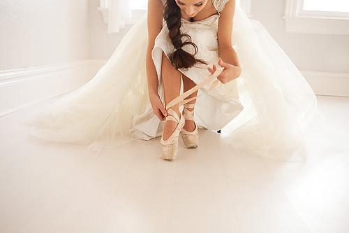 Ballet_dancer_dress_feminine_hair_points-abbc3bf7263663c75ba45085fe5883b0_h_large