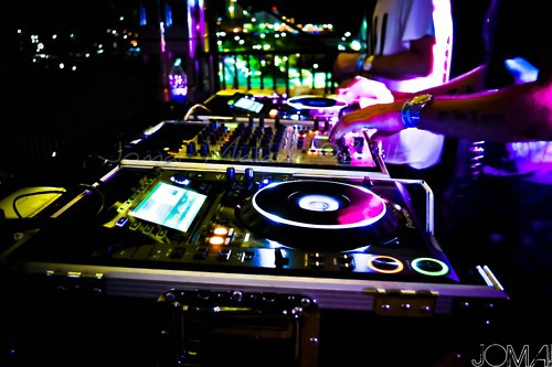 Dj-booth-music-party-photography-rave-favim.com-422655_large