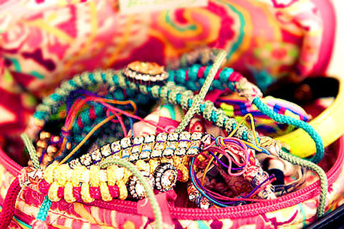 Colorful-friendship-bracelets_large