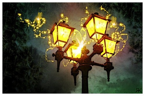 Fairy_lights_magic_fairytale_fantasy_lamp-6fdc4c2fafd577e09f33cfe756138778_h_large