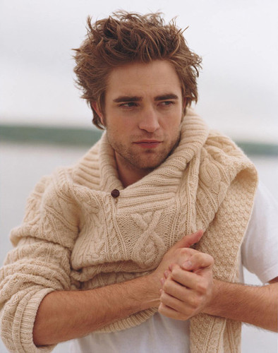 Sweater_robert_pattinson-2f1620560f7caada43aad484540d12f3_h_large