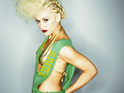 Gwen_stefani_89_1600x1200_wallpaper_large