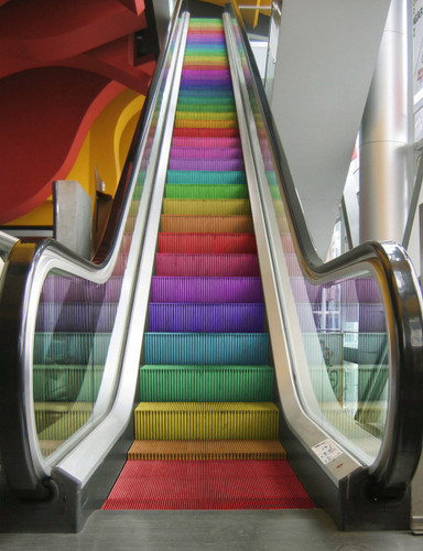 Color_installation_arquitectura_design_escalator_rainbow-bac09c444a2bbfb1db4d93840a25e76a_h_large