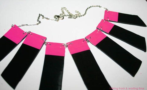Record_neon_necklace_12_large