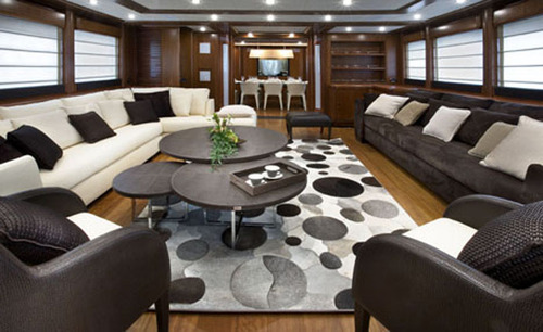 Black-and-white-sofa-for-minimalist-luxury-yacht-charters_large