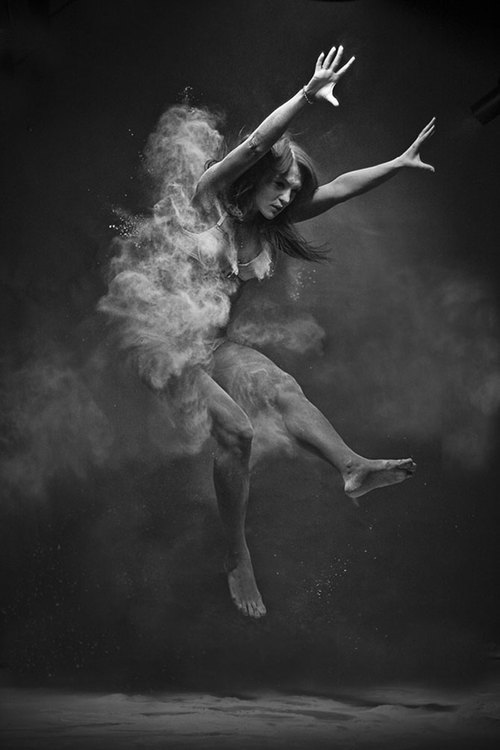 Anton-surkov-black-and-white-explosions05_large