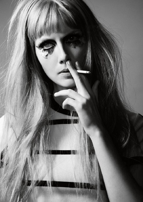 Black-and-white-cigarette-eyelashes-girl-makeup-favim.com-469848_large