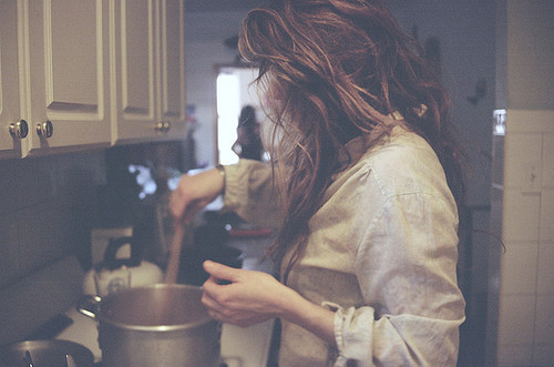 Cook-cooking-girl-hair-favim.com-212868_large