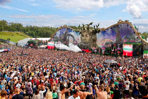Tomorrowland-2012_large