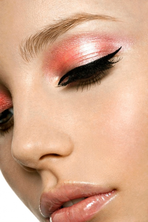 Salmon-pink-eye-makeup_large