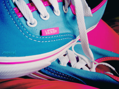 Pju9za-l-610x610-shoes-pink-blue-vans_large