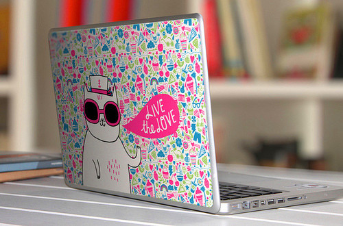 Lovely_20fresh_20comic_20laptop_20sticker-f11063_large