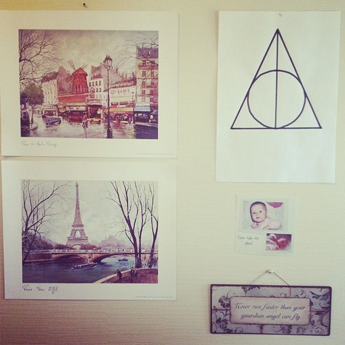Musikkmaleri | Part of my bedroom wall #paris #eiffel...