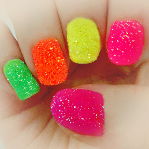 12 Wild Ways to Rock Neon Nails This Summer | Family Style