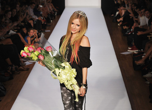 Avril_lavigne_abbey_dawn_avril_lavigne_runway_7zdiy_zefojl_large