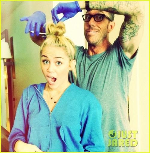 Miley-cyrus-haircut-04_large